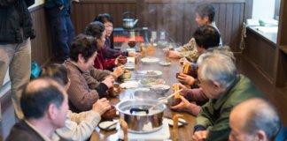 バタバタ茶会の様子(バタバタ茶伝承館)
